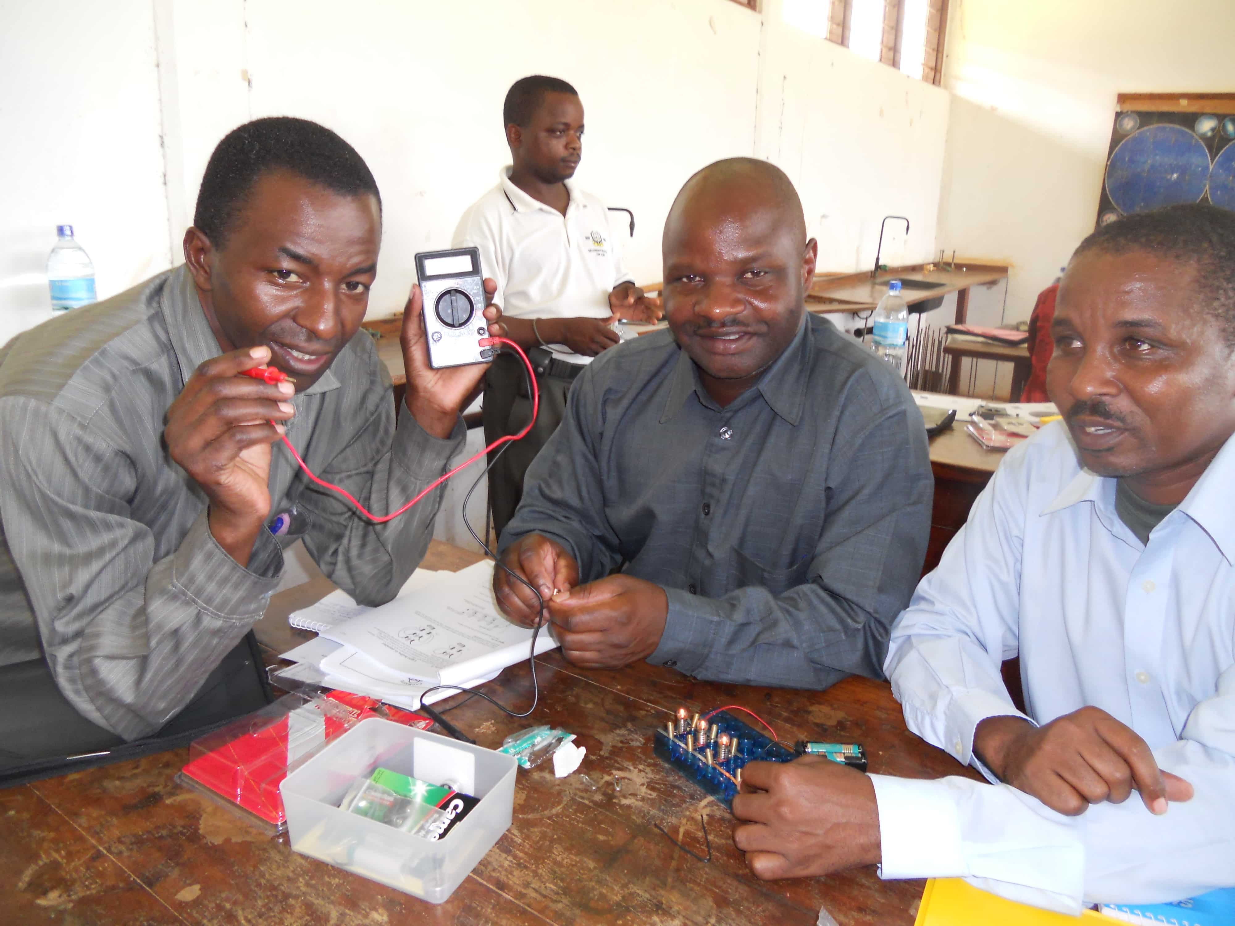 Teachers prepare themselves for classroom teaching with the microelectricity kit.